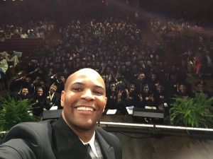 Selfie by Surgeon General of audience at Convocation.
