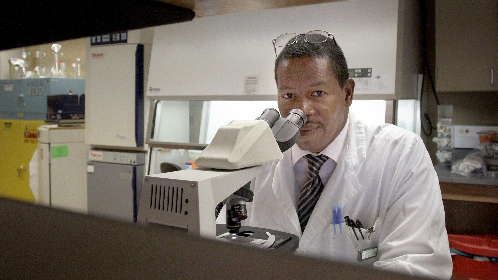 Dr. Alcendor in the lab